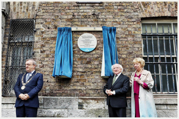 President unveils a plaque acknowledging Irish suffragettes